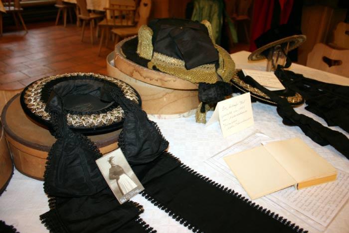 Röckefrauentreffen-griabinga-trachtenverein-aschau-01